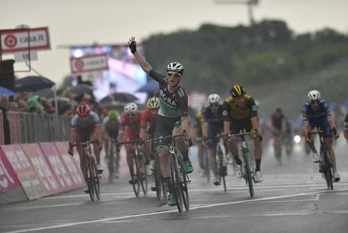 Giro d'Italia, tappa 12: Viviani favorito per la vittoria a quota 3,00