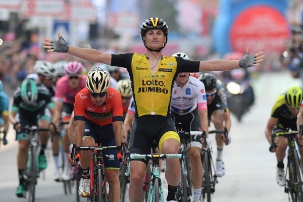 Giro d'Italia 2018 nel segno dei veneti, quinta tappa al vicentino Battaglin