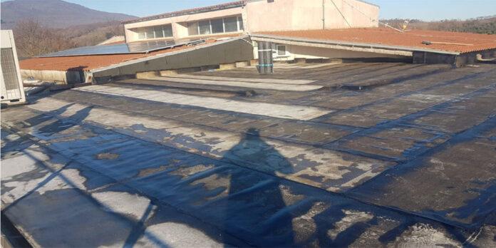 Vallerano, tetto dell'Asilo comunale