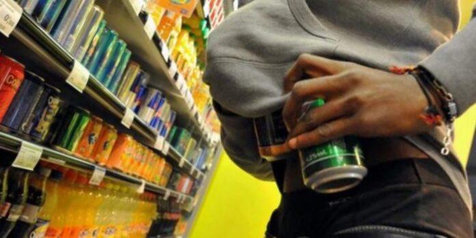 ladro in supermercato