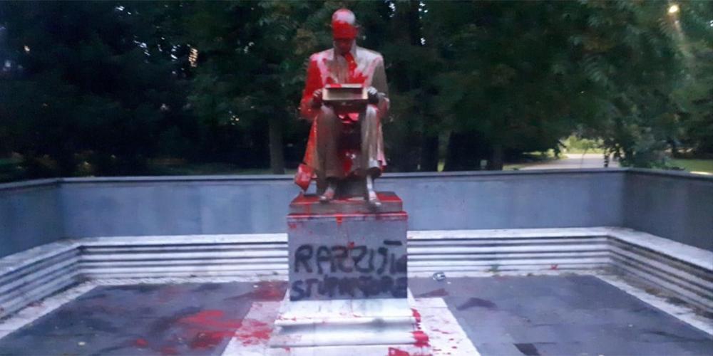 Montanelli - statua
