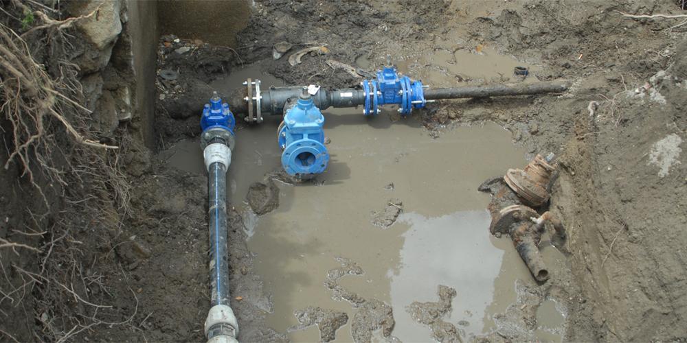 tubo lavori acqua