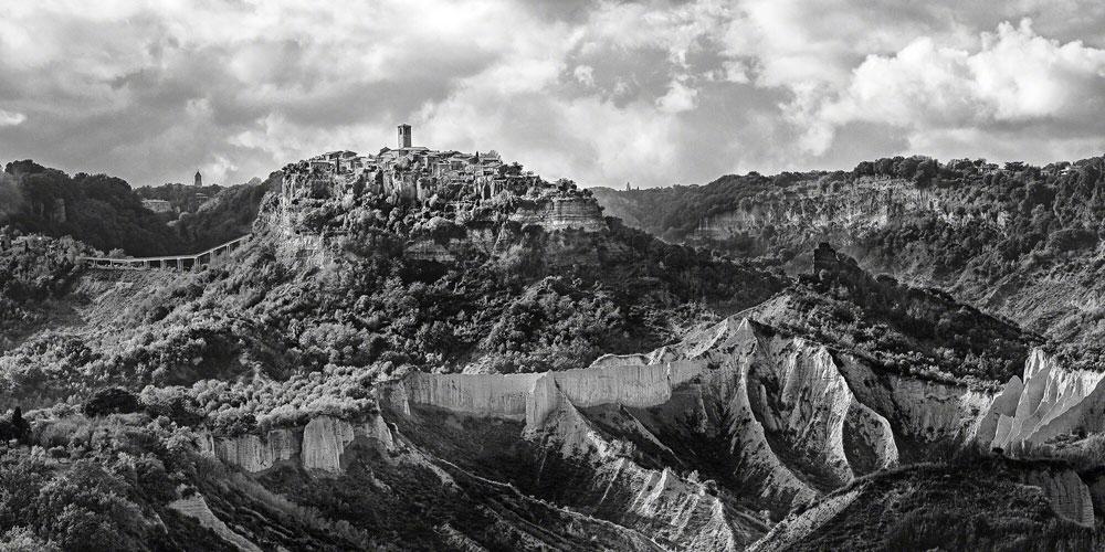 'Fra Nuvole e Vento: Gente di Civita', mostra del fotografo americano Brian Stanton