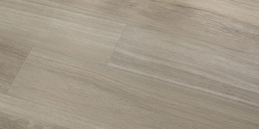 gres imita visivamente alla perfezione l'effetto del legno